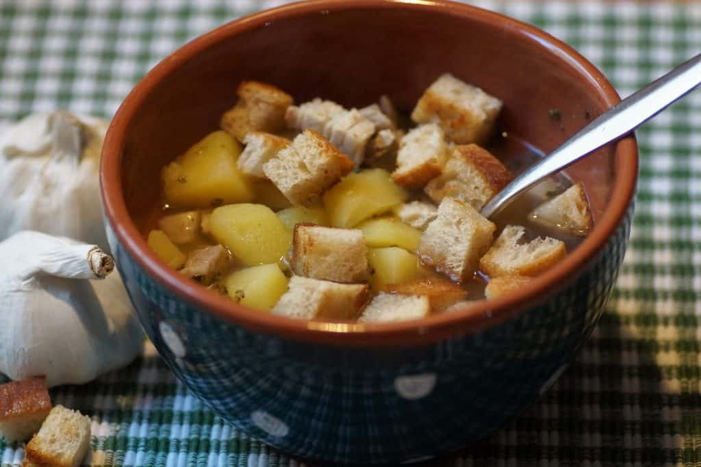 garlic soup czech