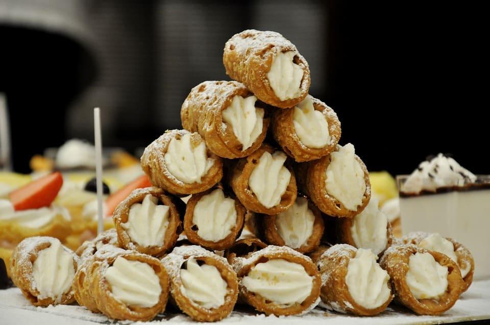 cannoli street food in europe