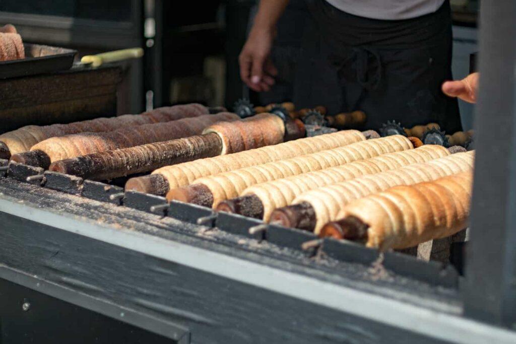 Kürtőskalács street food in europe