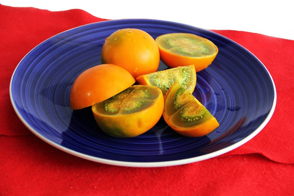 lulo fruit cut